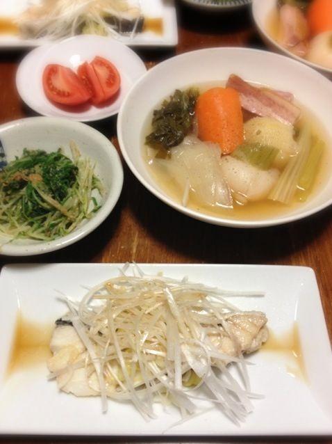 和洋中入り乱れ。鱈がうまい。 - 11件のもぐもぐ - 鱈中華蒸し、ポトフ、水菜胡麻あえ by raku0dar