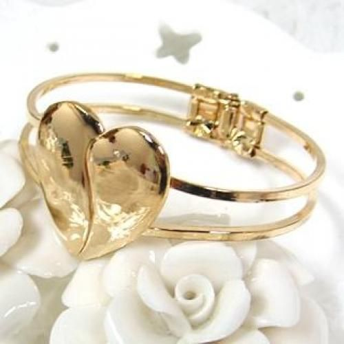 Heart Bangle Gold - One Size