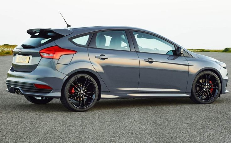 Ford Focus ST 2015 - Cinza Stealth
