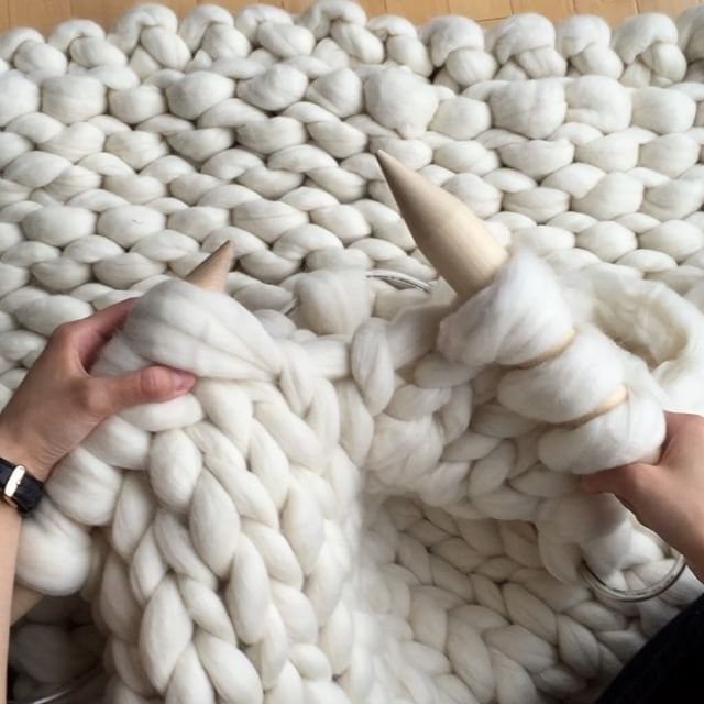 "Extreme knitting in action! Love the sound of the birch knitting needles- so soothing to my ears {Fluffy merino wool by @mamaknowsclipsandcrochet with 50 mm's ❤️- ""AllAboutAmi05"" for 5% off }"