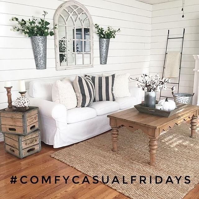 Happy #FriYay! I'm ready to kick back and relax with ya'll! 🍂Please share with us for #comfycasualfridays today and Saturday, tag #comfycasualfridays and follow us -  Erin @nest.of.neff Sarah @graceinmyspace  Amanda @theflourishingfarmhouse  Niña and Cecilia @nc_homedesign  Sarah @casa_williams We will choose an account to feature on Sunday! I'm tagging some friends to start us out! 📷: @themodestfarmhouse #decordailydose #cozyspaces #comfycozy #cuddleup #fallseason #homedecor #bedroom