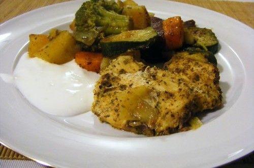 Zöldséggel sült csirkemell | Receptkirály.hu