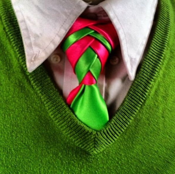 Christmas double Eldredge necktie knots How To video