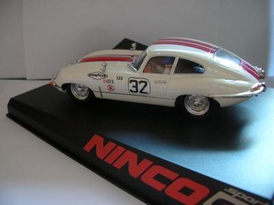 1/32 scale Ninco slot car