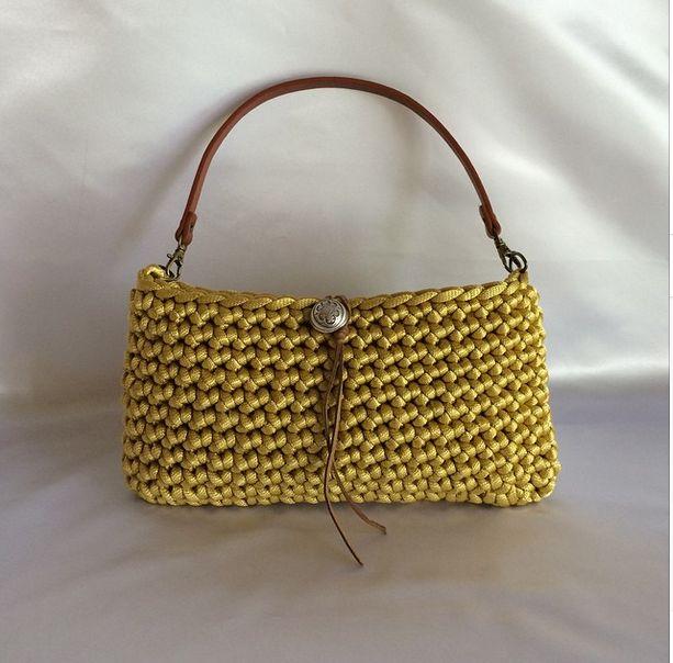Crochet purse - simple yet chic