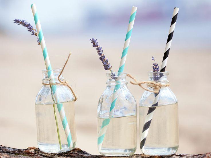 Zitronenbrause und Co.: So einfach ist Limonade selber machen. Zusätzlich zum Evergreen zeigen wir, wie Varianten mit Lavendel oder Ingwer-Limette gelingen.