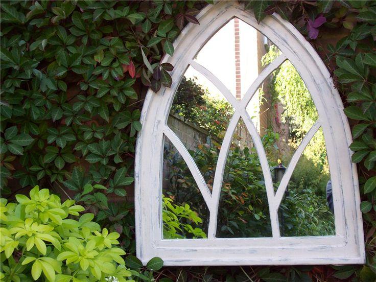 Une arche gothique comme déco d