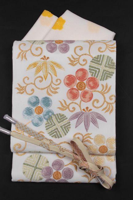 【楽天市場】【洛陽織物】特選西陣唐織袋帯 白地「カラフル笹蔓文」<<訪問着などのフォーマルにおすすめ>>:きもの 和<なごみ>