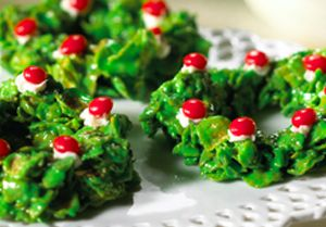 Christmas Wreaths - Deck your holiday cookie platters with these marshmallow and