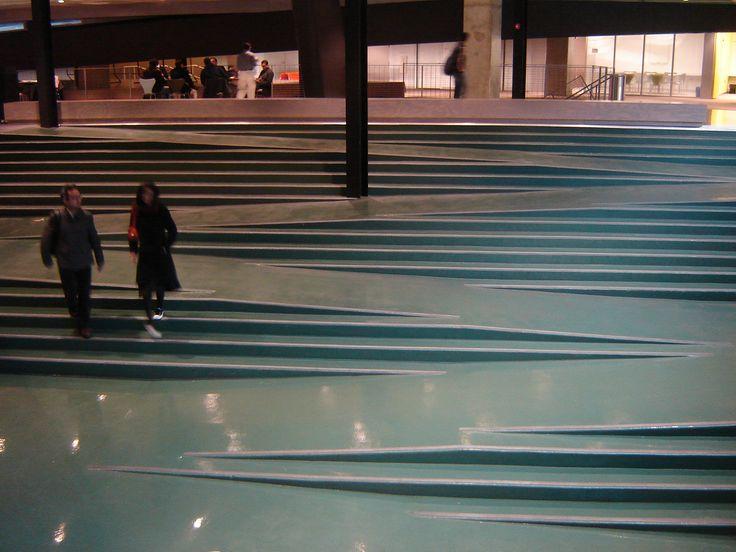 Koolhaas building   相片擁有者 Monitor Encendido
