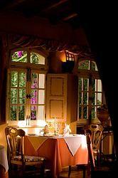 """Restaurante """"O Pequeno Mundo"""": ou o grande jardim dos sabores."""