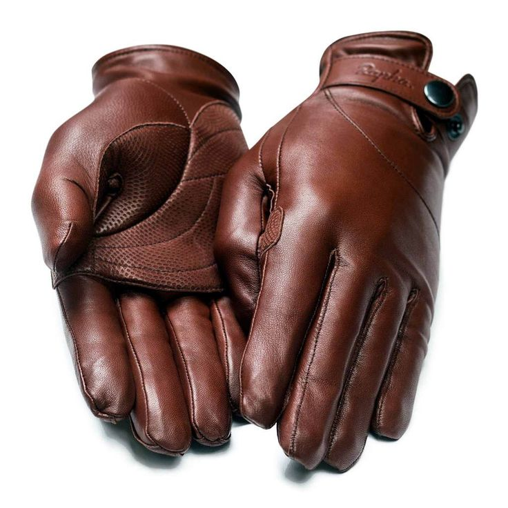 These classically styled cycling gloves are cut from African hair sheep leather…