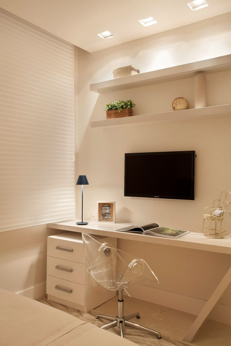 Apartamento Ipanema / Eloy & Travaglini #bedroom #homeoffice #quartodeestudos