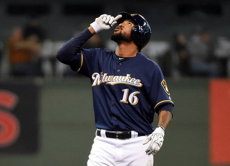 #PeloterosMLB | Los #Brewers podrían envía al dominicano Domingo Santana a los #Phillies por un lanzador. _ #DR #RD #DO #DOM #MLB #Beisbol #Baseball #DomingoSantana #Santana #Milwaukee #Brewer #RepDom #Dominicano #DominicanPower #PeloterosRD