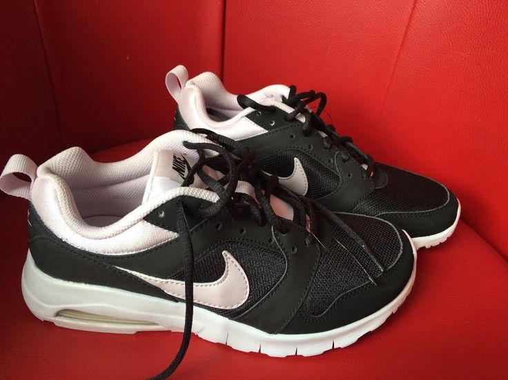 Ladies Nike Air Trainers Pink Black NEW Size 4 Running Gym