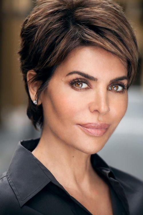 Kurze Frisuren für Frauen über 40