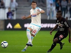 Nice boss Lucien Favre rules out Jean Michel Seri exit #Transfer_Talk #Arsenal #Barcelona #Nice #Roma