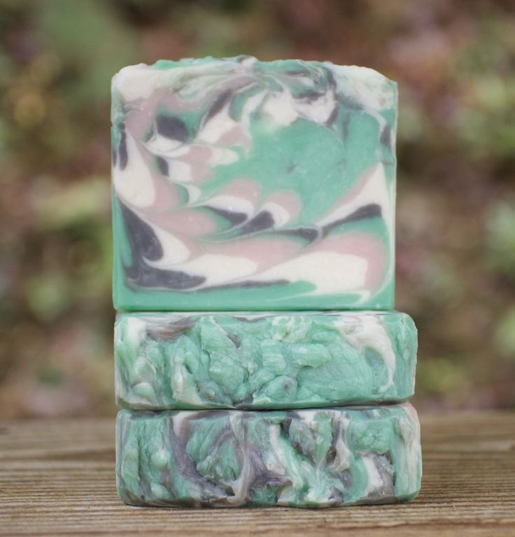 The bamboo scent in this soap is fresh, clean and vibrant, and pairs so nicely with the zing of fresh ginger. This unisex soap is popular with men and women alike, and is a perfect addition to the fam
