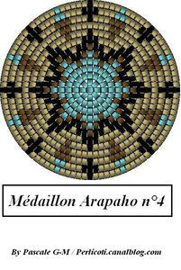 Arapaho-inspired medallions and variations, from http://perlicotipeyote.canalblog.com/archives/2009/04/09/13319989.html