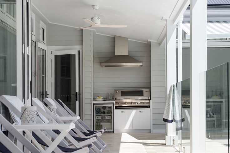 Love the coastal look? Scyon Linea weatherboards allow you to create a classic weatherboard look without the maintenance.