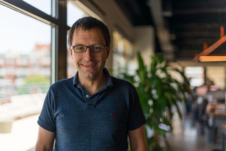 Zijn virtuele assistenten zoals Alexa van Amazon en Home van Google hét nieuwe boekingskanaal voor travel? Matthias Keller, chief scientist van Kayak, ziet potentie maar geen dominantie.