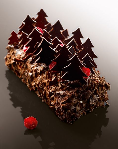 Forêt Noire by French Chef francés Christophe Michalak Creation #French #dessert #patisserie #baking #bakery #pastry #pastries #sweets #postre #pastelería francesa #repostería francesa