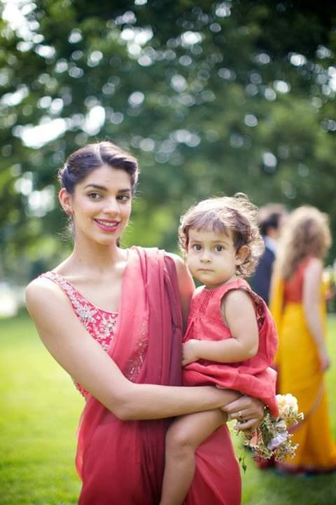 Sanam Saeed looking beautiful at a party wearing Zari Faisal sari.