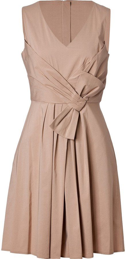 Pin for Later: In diesen Kleidern werdet ihr wie ein Boss aussehen Steffen Schraut Khaki Kleid Steffen Schraut Cotton Blend Fiesta Dress ($335)