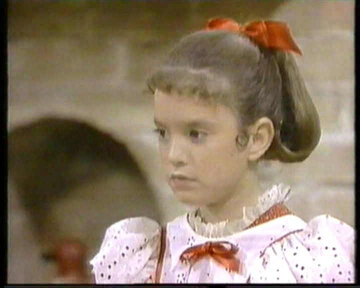 Small Wonder  http://www.youtube.com/watch?v=ukSvjqwJixw&feature=related