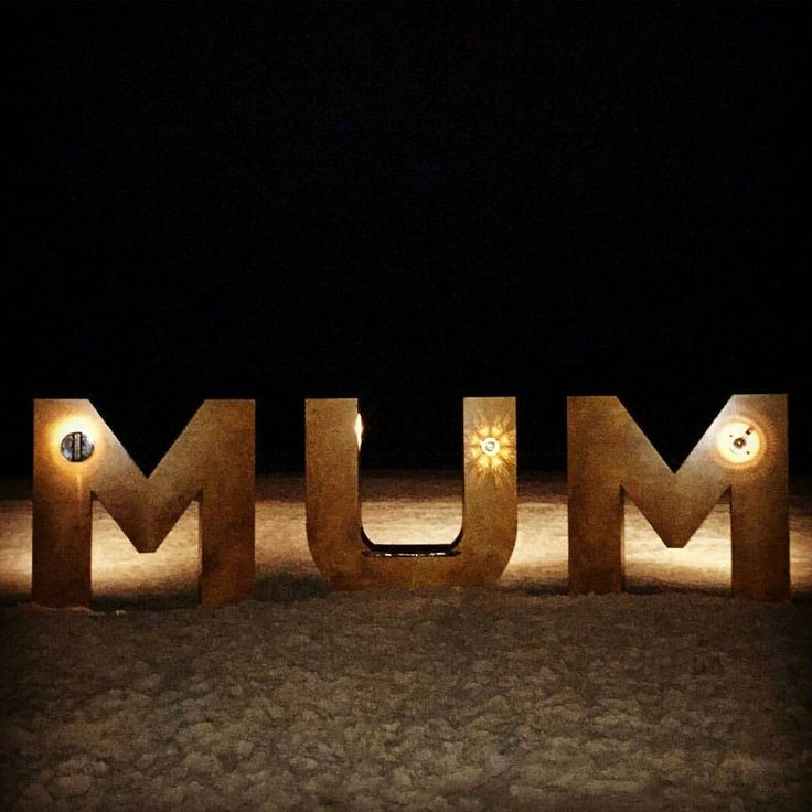 If you thought the amazing sculptures at @swellsculpture looked cool during the day...wait until you see them at night. Join us for a beautiful day tomorrow at #swell2015 on Currumbin Beach!!!  Delicious Italian eats and fun for the whole family Pictured is the #IAMMUM piece by @suzilucas_artoutside by mangiamangiaitalianstreetgoods