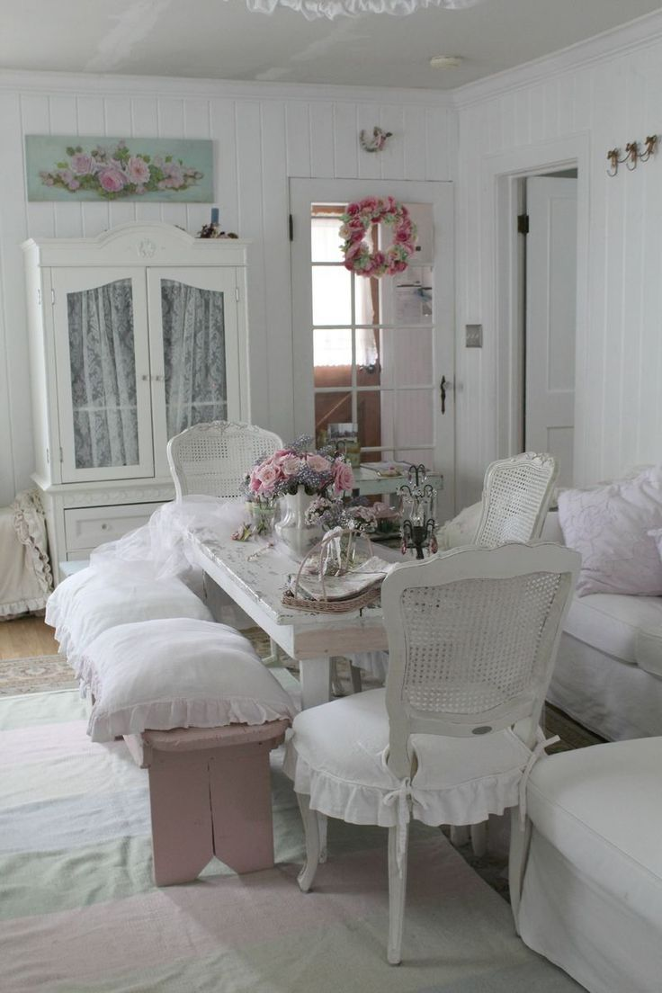 Best 25 shabby chic dining ideas on pinterest shabby for Shabby chic dining room ideas