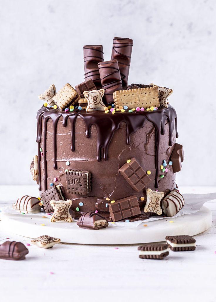 Nutella Drip Cake Rezept Kuchen Schokolade Geburtstagstorte Baiser backen Baiser …   – Emma's Lieblingsstücke