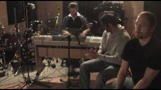 Pablo Maldonado, Ismael Frenandez, y Moy Natenzon in the studio, playing 'por Tangos'.