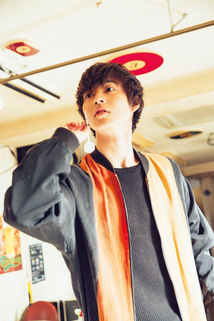 © thetv | Weekly The Television 15 Issue No. 8, Darts | Yamazaki kento