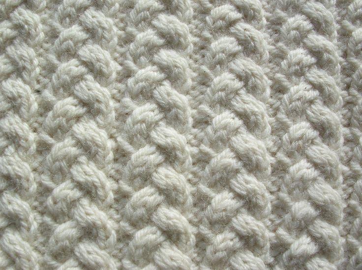 Aran stitches - Link stitch.