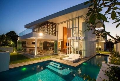 Avustralya'nın Queensland şehrinde BGD Architects tasarım ve mimarlık ofisi tarafından yapılan mükemmel bir rezidans..