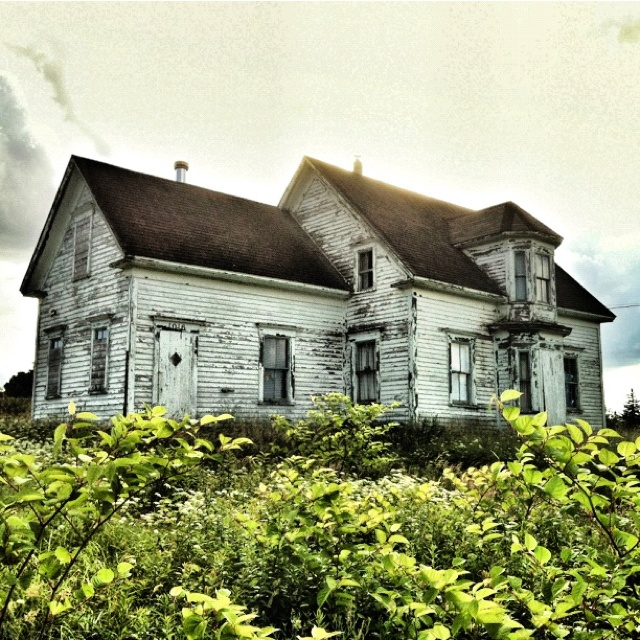 Another pic of the old abandoned house I found near Vogler's Cove, Lunenburg County.
