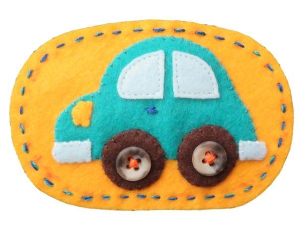 楕円ワッペン:水色の自動車 フェルトワッペン画像1