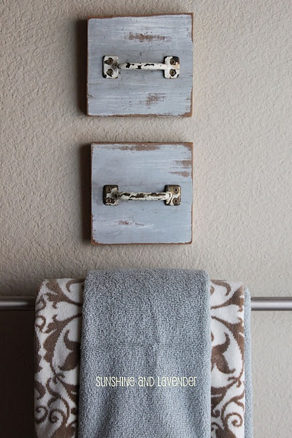 handles as handtowel holder