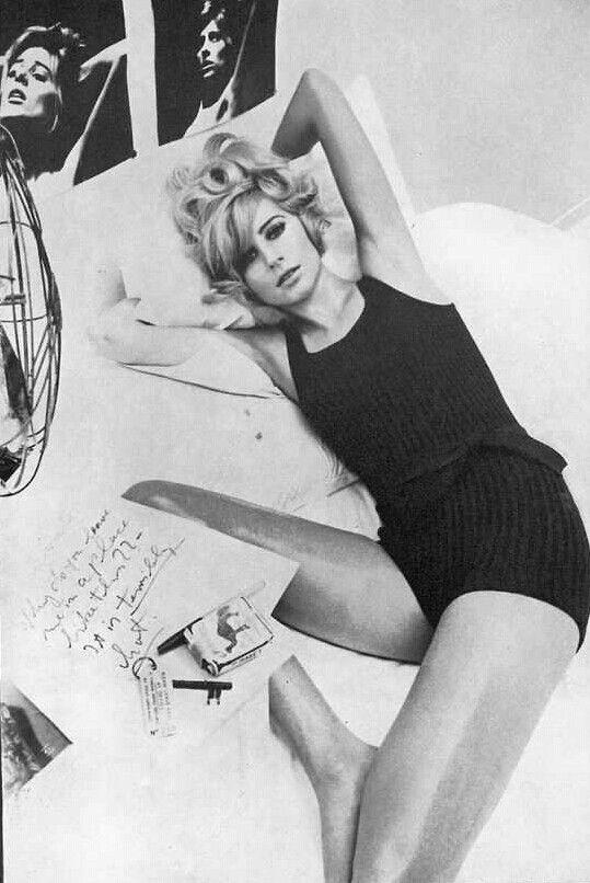 Jill Kennington, photo by Helmut Newton, Vogue UK, 1965