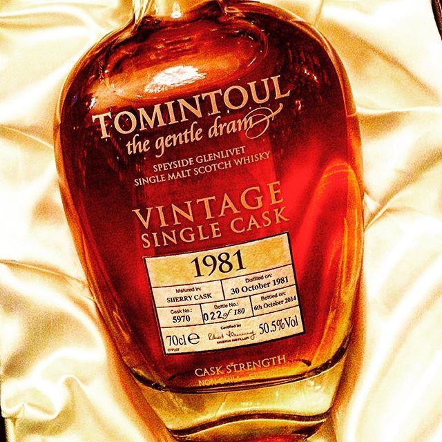 #tomintoul #speyside #whisky #scotch #scotchwhisky #ballantinesshop #whiskycollection #tudorhouse #whiskybar #ballantinesshop #whiskylivewarsaw #drinks #bars #whisky_droid #scotland #singlecask #singlemalt #caskstrength