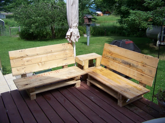 From a neat blog I found--Trash to Treasure Decorating. These benches are not technically interior but I love them just the same. They're made from pallets. On the list for hubby they go!