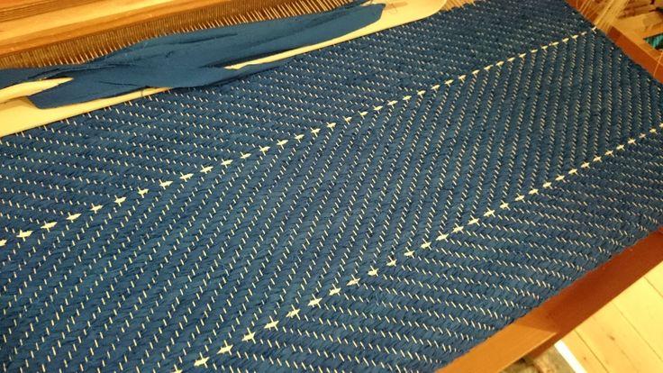 Vacker blå matta vävd i kypert