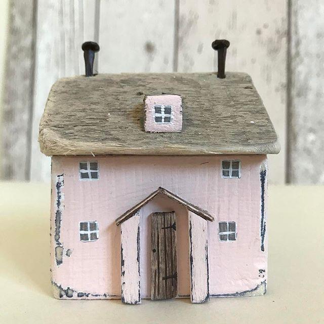 The pink house. #driftwood #driftwoodart #shabbydaisies #shabbychic #rustic #rusticart #littlecottage #littlehouse #cottage #handmade #summer #sea #pink