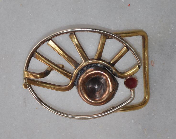 """Handmade belt buckle """"The eye"""" in brass, copper and alpaca by TakisBrass on Etsy"""