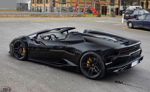 Drop Top Bat Mobile  Lamborghini Huracan Roadster | ADV005  @LuxuryCustomag | @TM_Supercars_Photography  www.thewheelindustry.com #adv1 #thewheelindustry #adv1newstores #lamborghini #lambo #huracan #lp610 #lp580 #roadster #convertible #blackonblack #murderedout #luxury #luxurylife