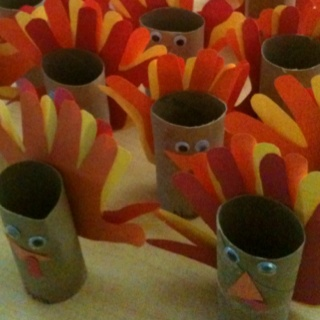 17 best images about toilet paper roll art on pinterest for Toilet paper roll crafts thanksgiving