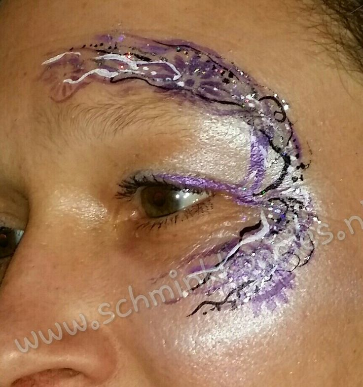 Eye Design purple made by Schminkkoppies
