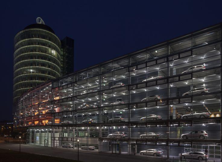 Concesionario_de_Mercedes-Benz,_Múnich,_Alemania,_2013-03-30,_DD_27.JPG 4,554×3,339 pixels