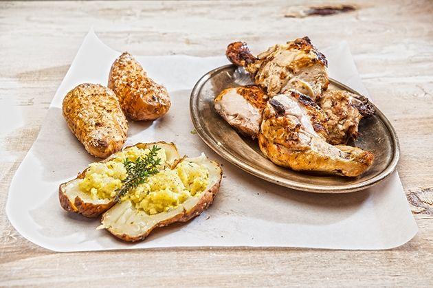Κοτόπουλο BBQ και γεμιστές ψητές πατάτες